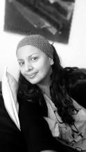 Paola Monot FONDATRICE. Son travail durant une dizaine d'années dans plusieurs agences de publicité multinationales (Young & Rubicam, McCann-Erickson, DDB°) en Colombie son pays d'origine, a permis à Paola de maitriser la réalisation de projets audiovisuels. La photographie, le design, le couleur, l'esthétique sont des domaines qu'elle connait et qui la passionnent. Autant d'expériences ont donné à Paola l'audacieuse envie de créer Madame Latina et d'en faire un lieu d'échanges artistiques interculturels.